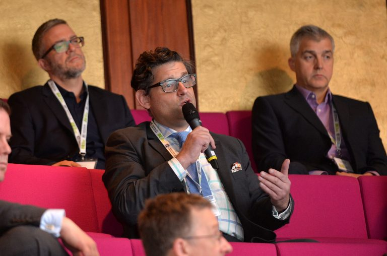 Attendee-asks-the-panel-a-question-at-London-Property-Club