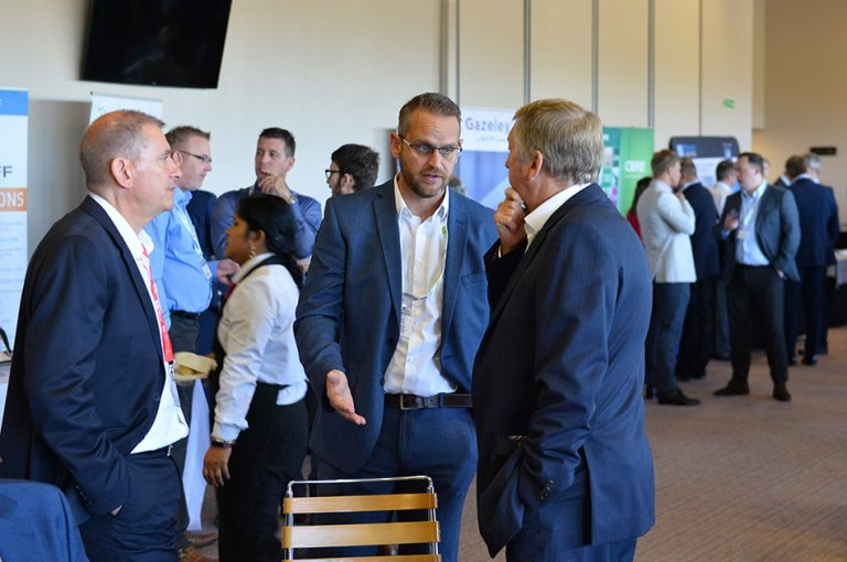 Attendee's network in the break at Sheds and Logistics Conference 2019