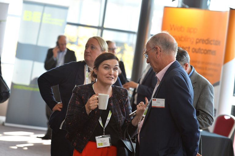 Attendee's have a coffee and exchange contact details at Sheds and Logistics Conference 2019